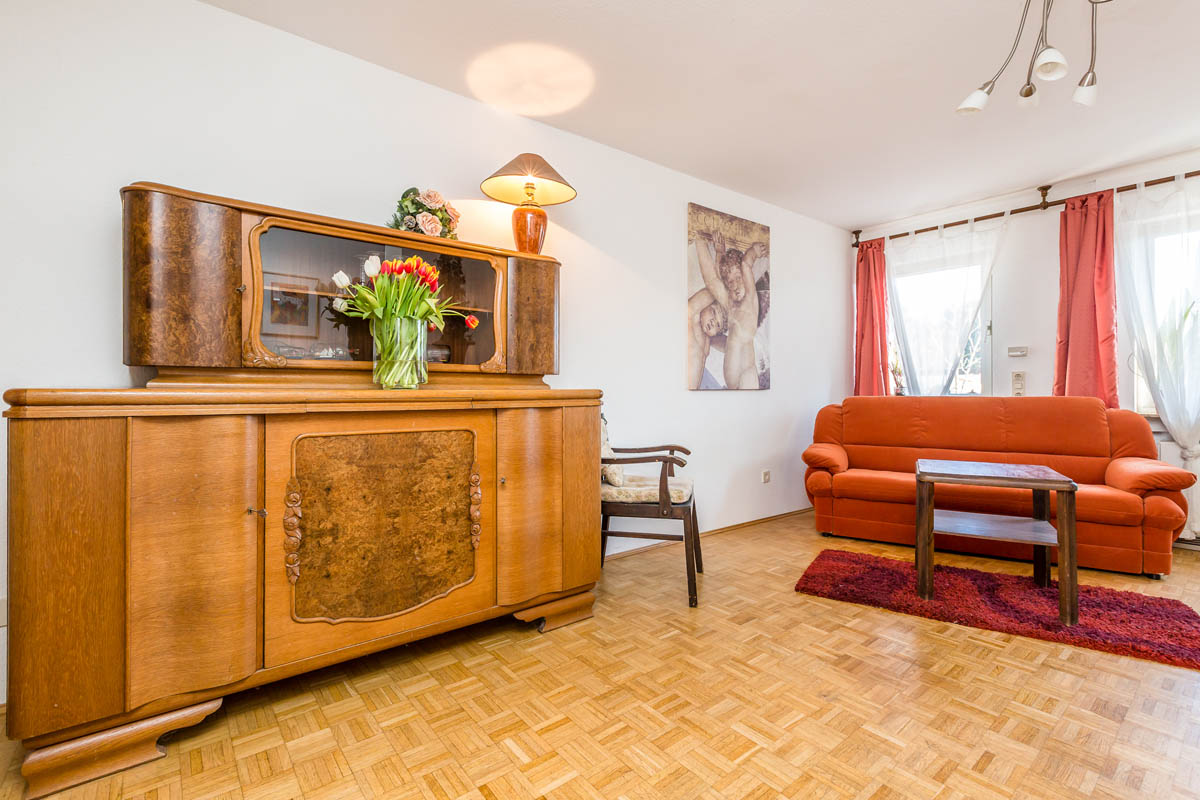 74 bergisch gladbach l he. Black Bedroom Furniture Sets. Home Design Ideas