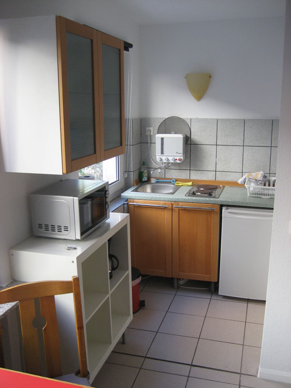 27 deutz messeappartement 27. Black Bedroom Furniture Sets. Home Design Ideas